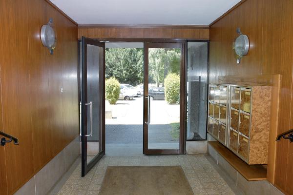 Porte acier deux vantaux équipée d'un va-et-vient conçue par VD Industry. ©VD Industry