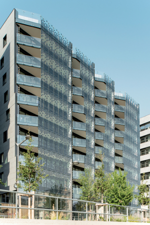 A Lyon, un immeuble équipé de 570 m2 de vitrage photovoltaïque en façade produira environ 15 MWh/an©AGC GLass /Okalux - USA - © Jeffrey Totaro