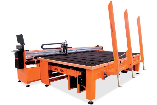 Lam 304 de Turomas, une table adaptée aux besoins des entreprises de production moyenne et élevée ©Turomas
